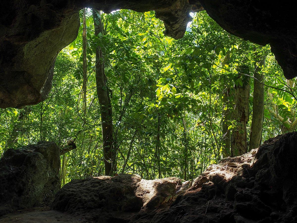 Höhle auf Lamanok Island