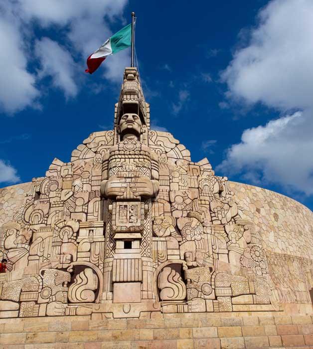 Denkmal für das Vaterland an der Paseo de Montejo