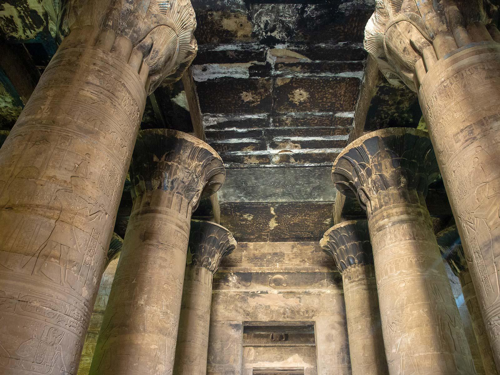 Edfu Tempel innen