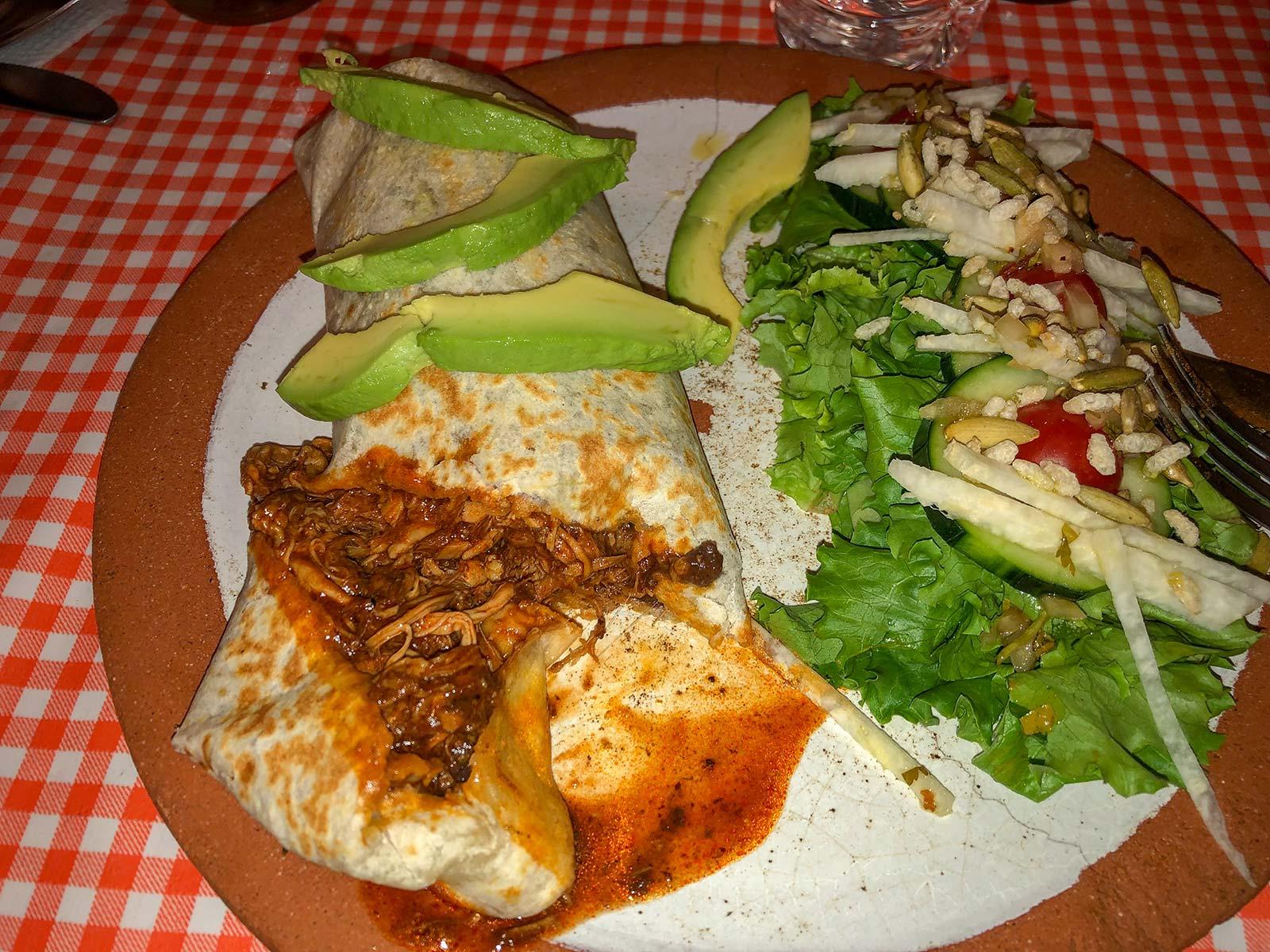 Burrito mit chili-pulled-pork