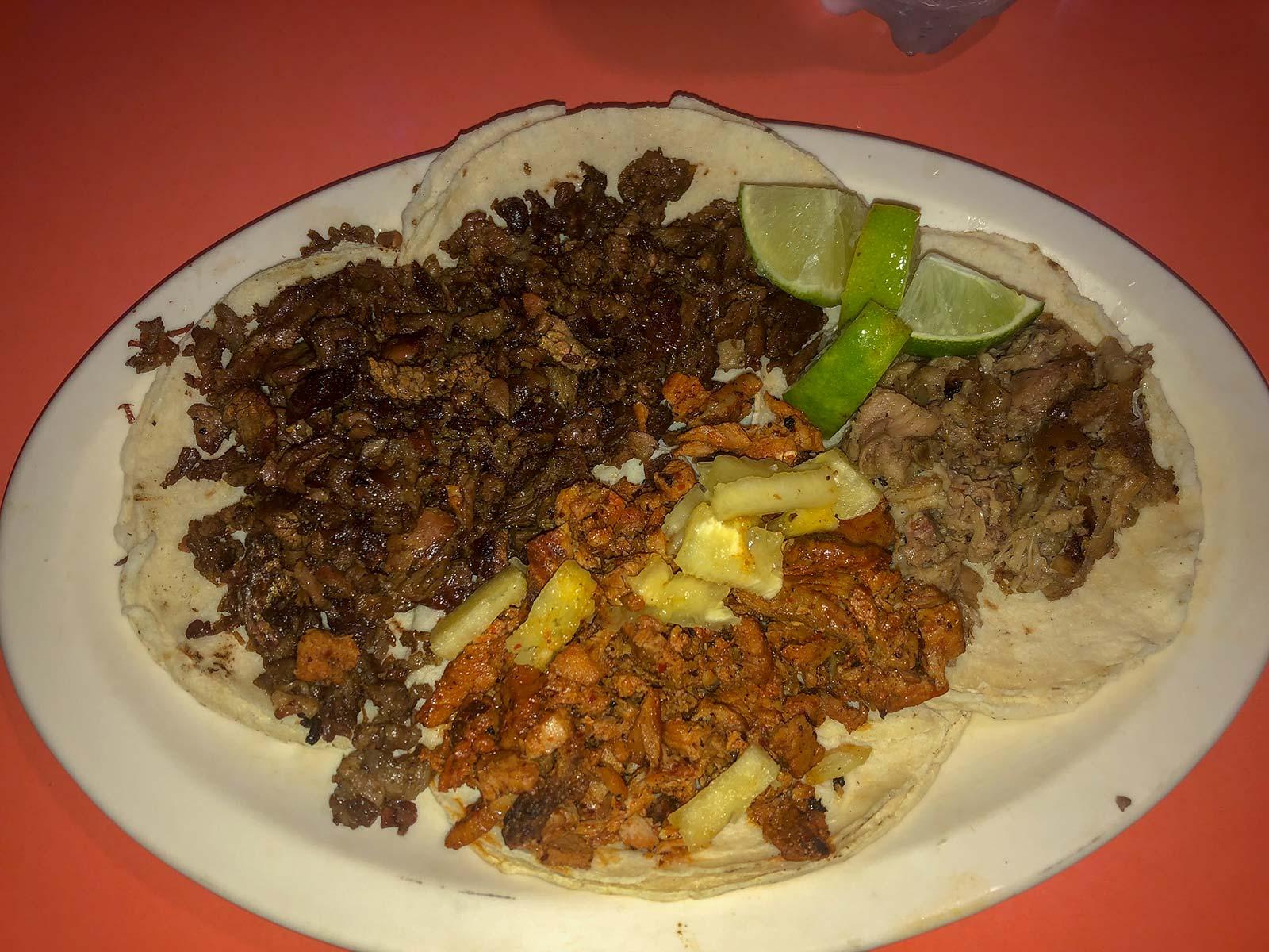 Tacos mit Schweinefleischvariationen