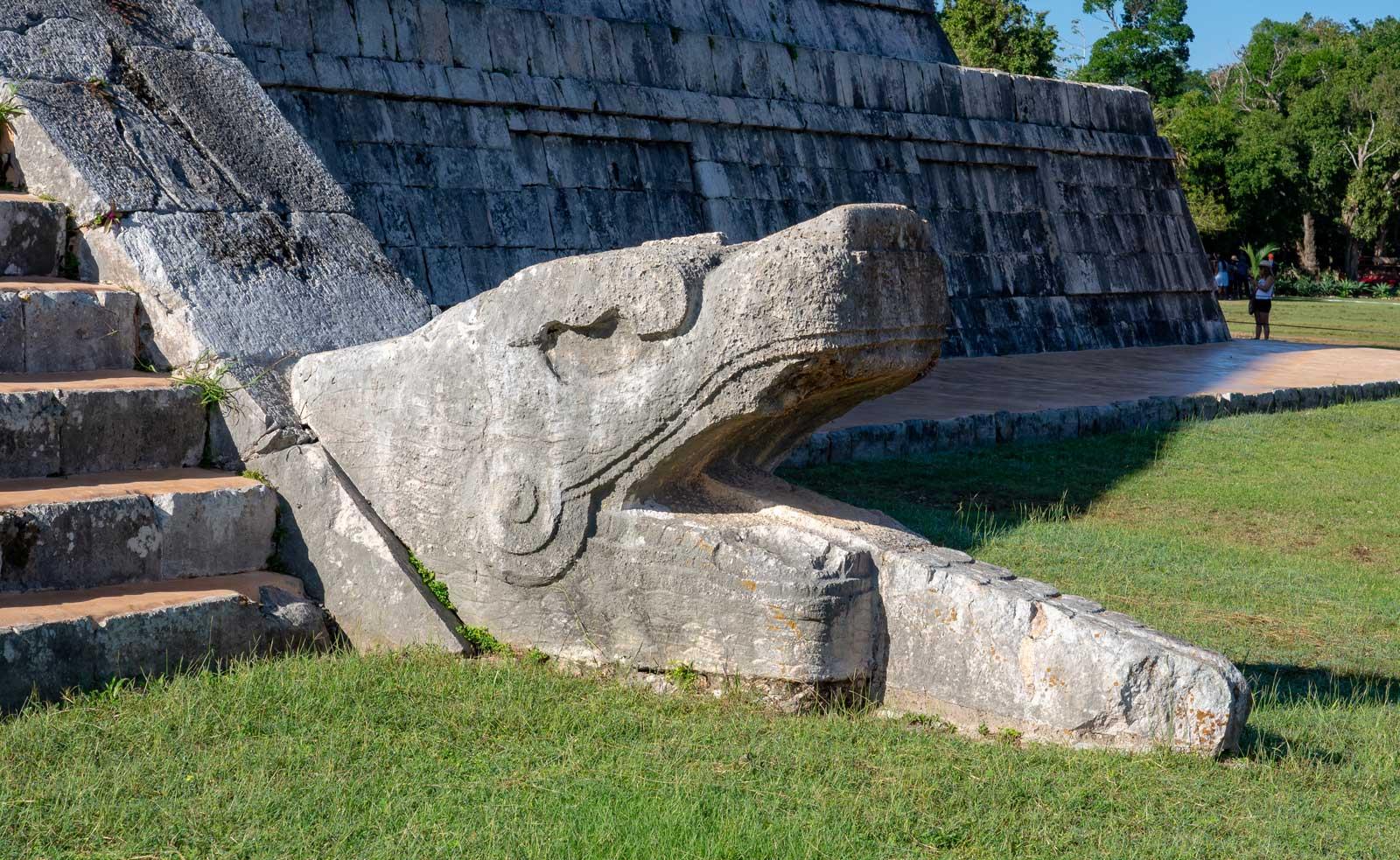 Schlange in Chichén Itzá