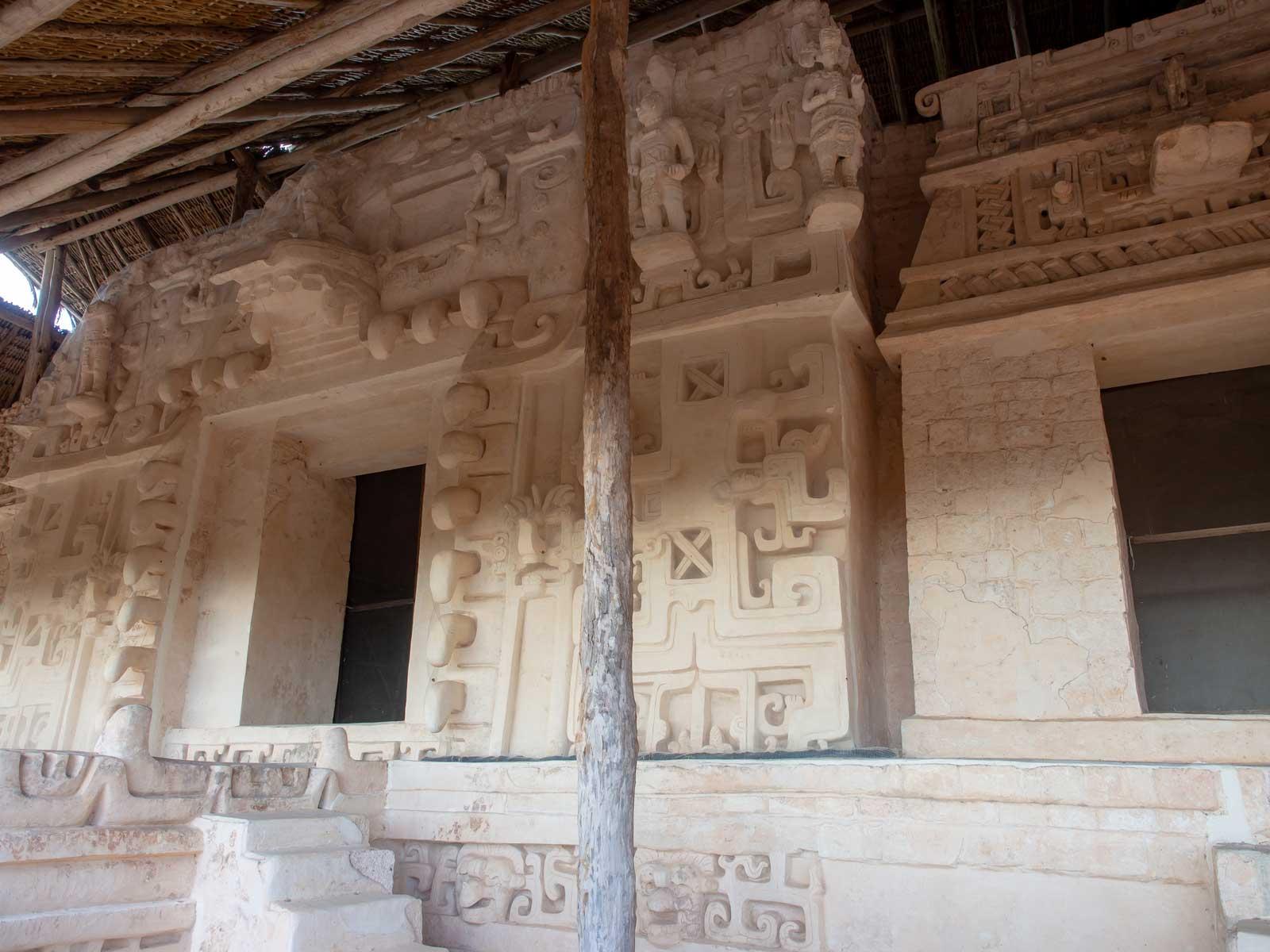 Herrscherpalast - Grab mit Schlangenkopf Ek Balam