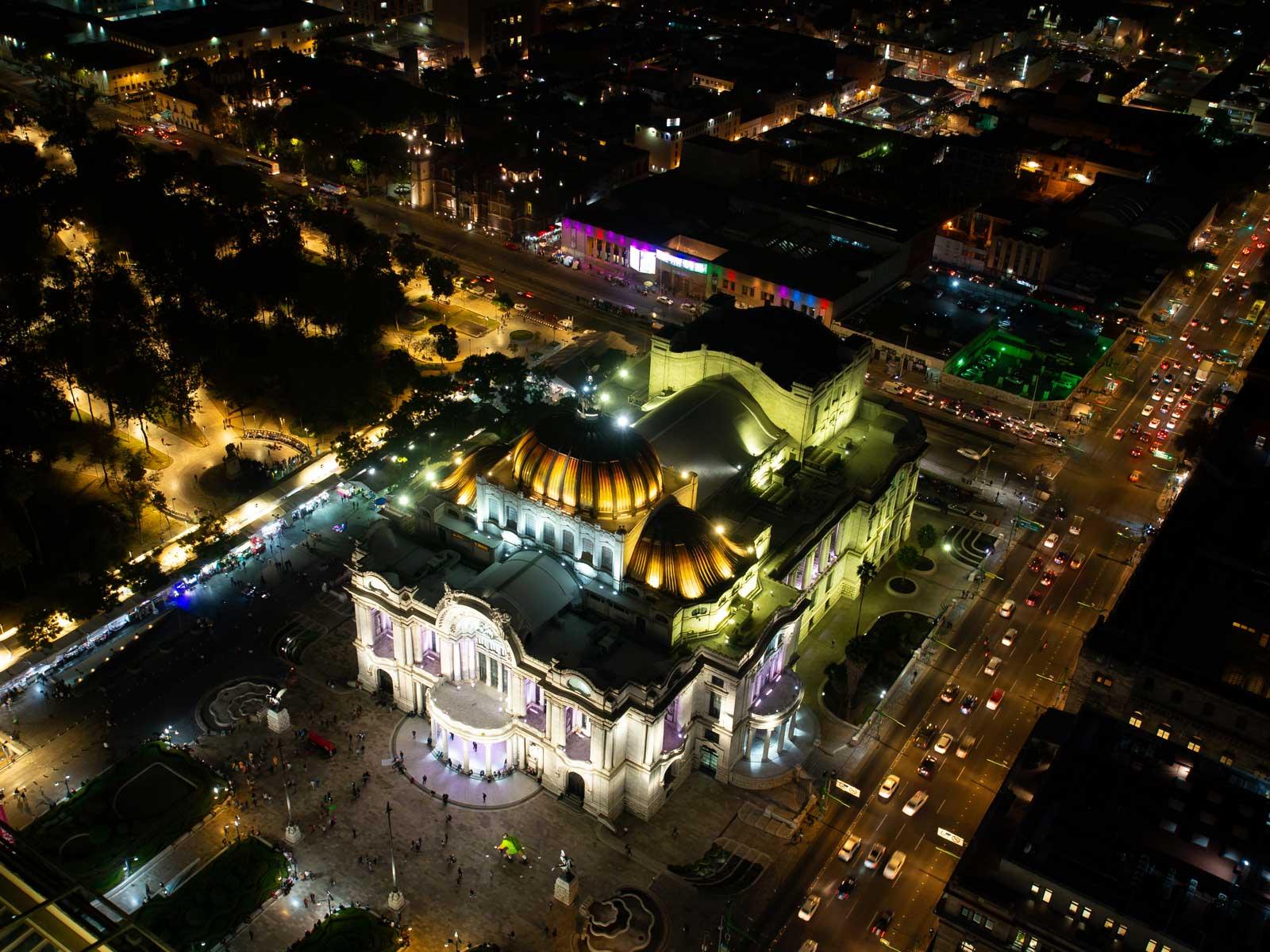 Palacio de Bellas Artes bei Nacht