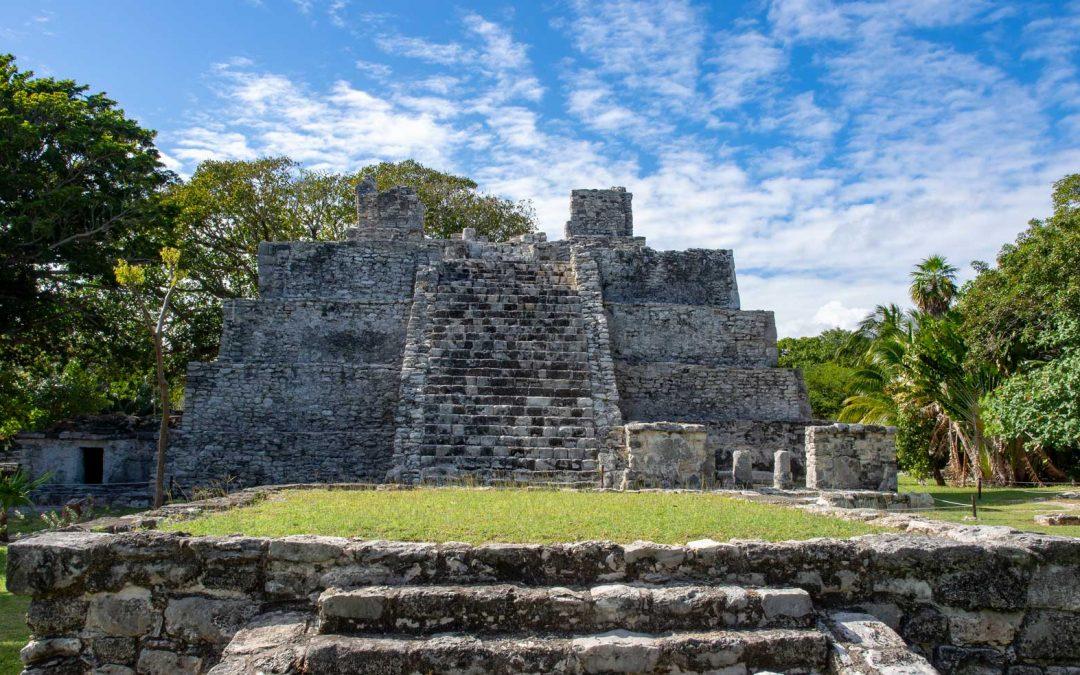 El Meco in Cancún – kleine Mayaruine