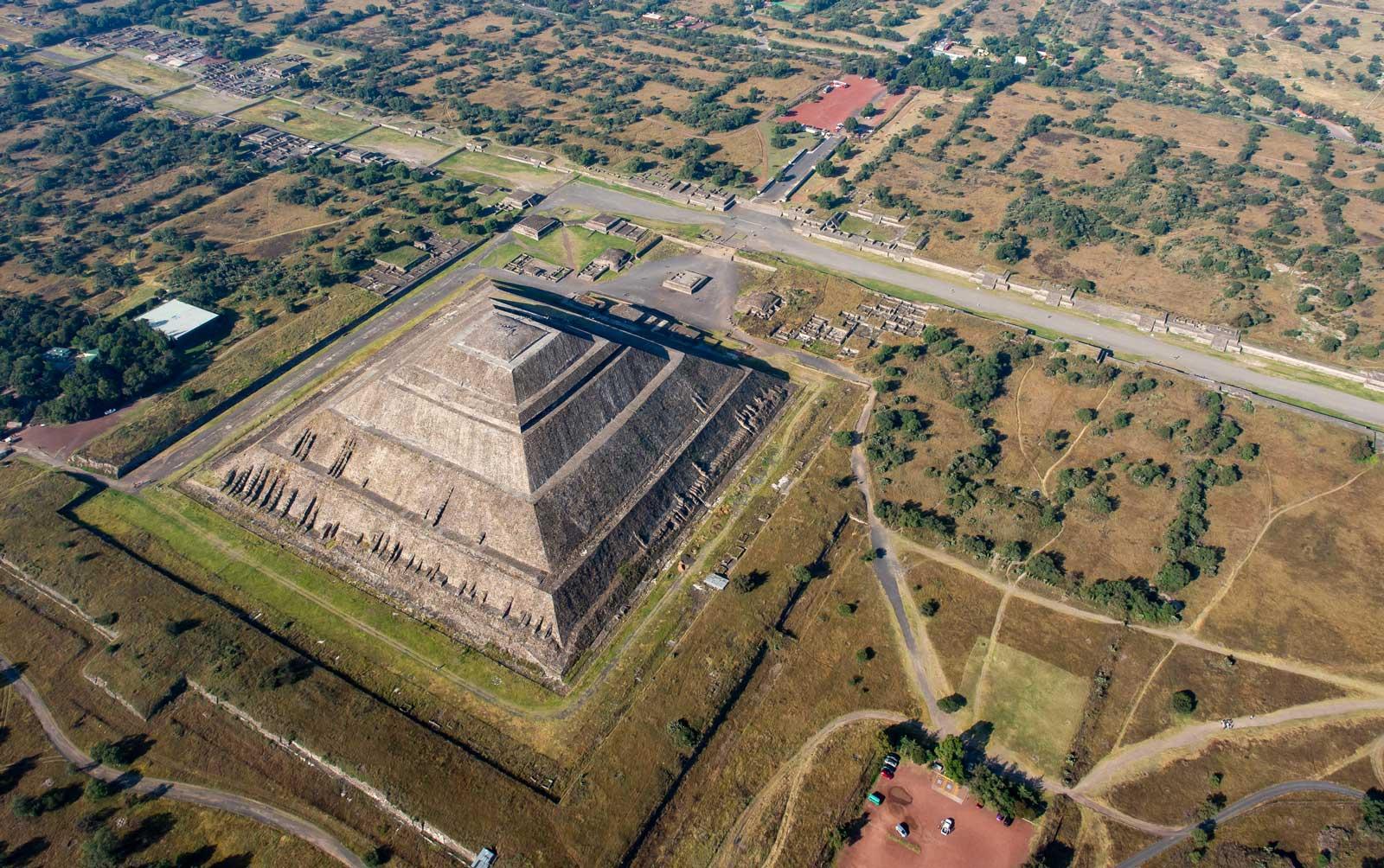 Sonnenpyramide in Teotihuacán von oben